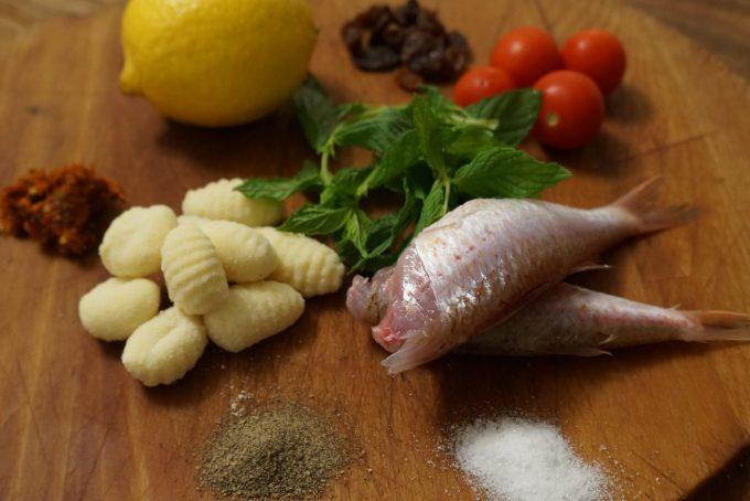 Gnocchi con triglia, mentuccia e pomodoro secco